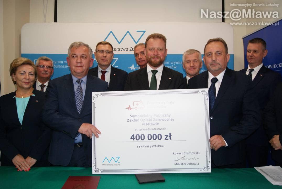 Minister zdrowia w Mławie – przywiózł czek na karetkę