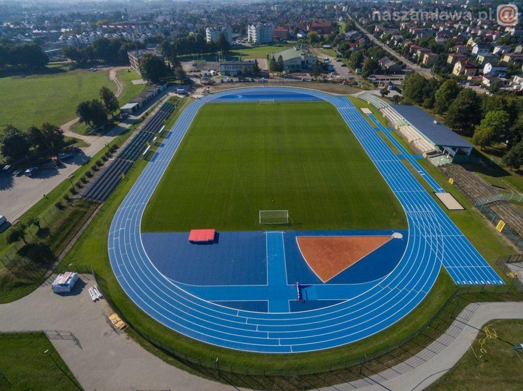Nowa bieżnia lekkoatletyczna na stadionie w Mławie