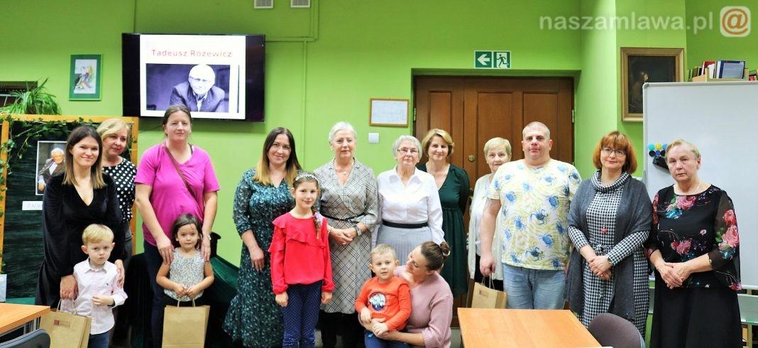 uczestnicy nocy bibliotek w Mławie